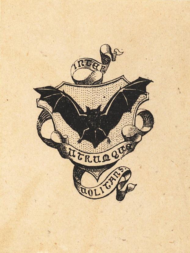 Exlibris grabado con murciélago volando sobre escudo sembrado y envuelto por una filacteria con la leyenda «inter utrumque uolitans»
